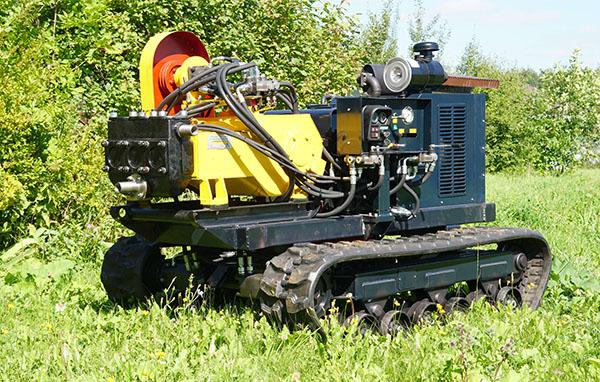 Буровой насос НБ-4 на вездеходном гусеничном шасси
